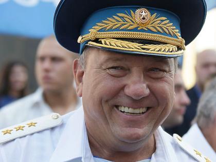 Командующий ВДВ Герой Российской Федерации генерал-полковник Владимир ШАМАНОВ