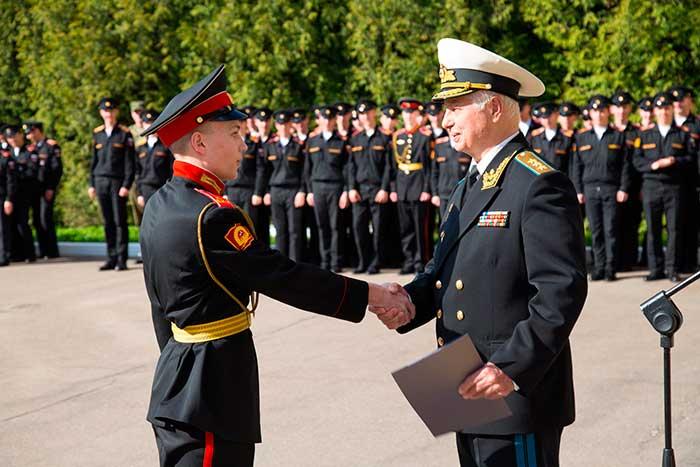Генерал-полковник Дейнека В.Г. Московском военно-музыкальном училище имени генерал-лейтенанта В.М.Халилова.