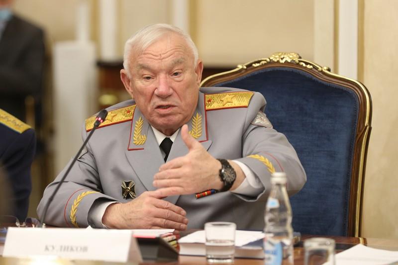 Президент Клуба военачальников РФ генерал армии Куликов А. С.