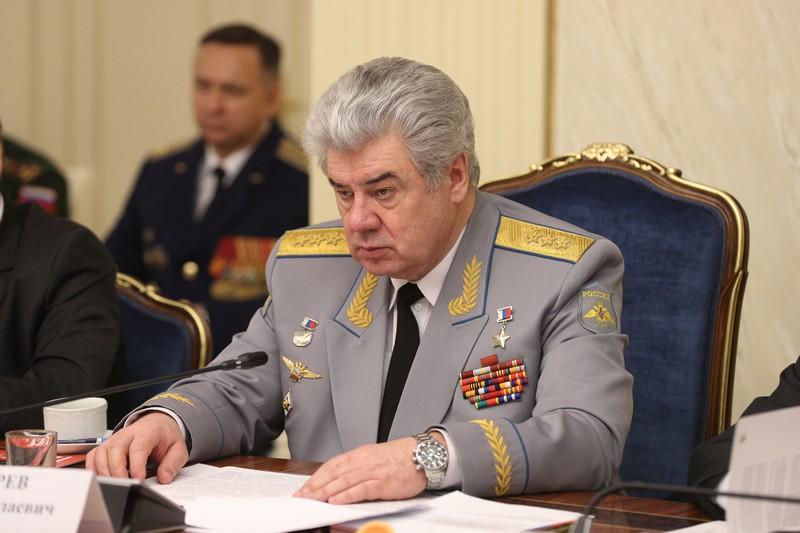 Председатель Комитета по обороне и безопасности Герой России генерал-полковник Бондарев В.Н.