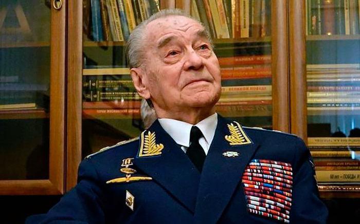 Генерал-лейтенант авиации Терехов Петр Федорович